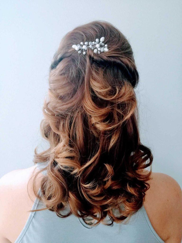 Haarstyling mit Perlen